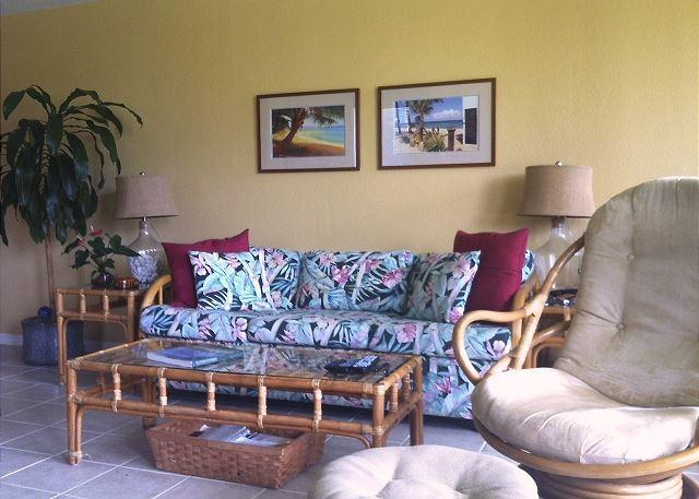 Living Room - Turtle Bay 077 West *** 90TVU-0337 - Kahuku - rentals