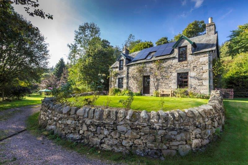 Clan Campbell Cottages- The Ferry House - Image 1 - Aberfeldy - rentals
