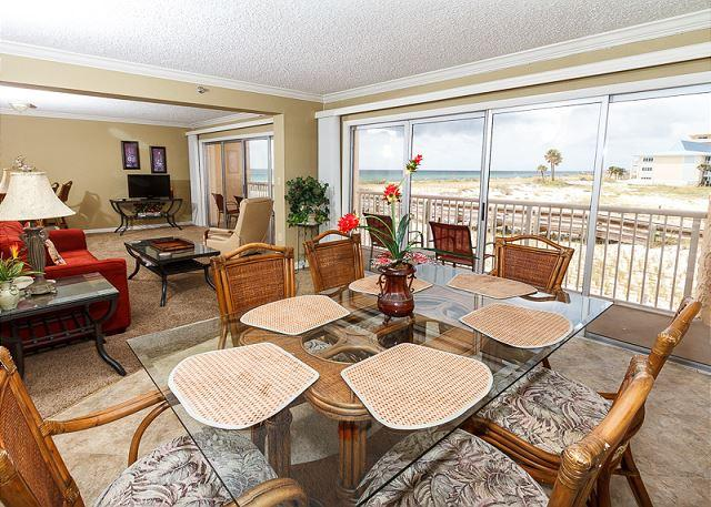 Dining Area, Perfect for Romantic meals with a Beautiful View! - Condo #206 Great beach condo-WIFI, pool, shuffleboard, BBQ,FREE BEACH SERVICE - Fort Walton Beach - rentals