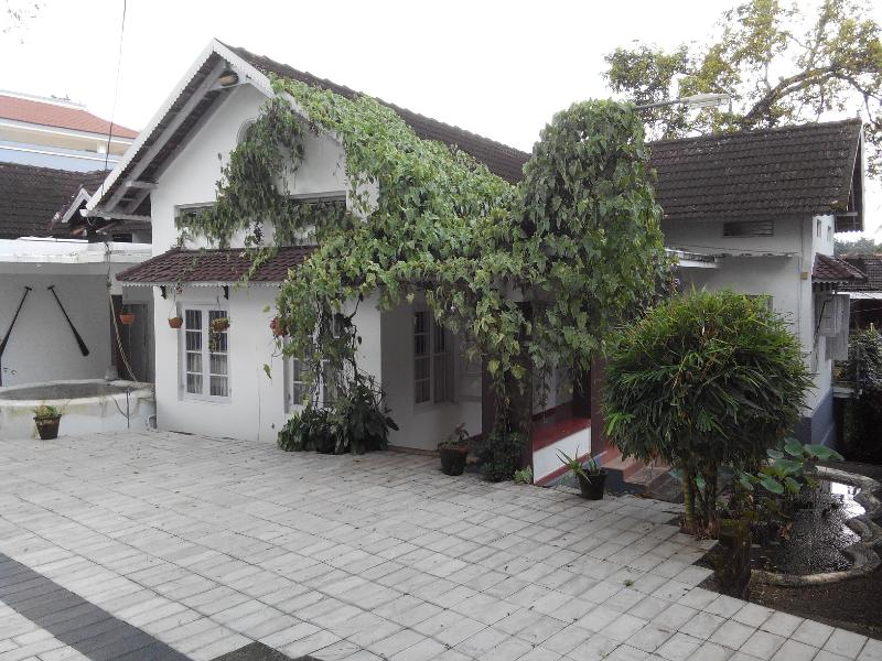 Fenn Hall - 70yr old Christian Colonial Home in Central Kerala - Kottayam - rentals