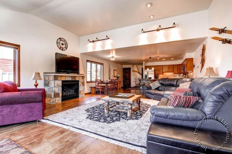 Main Ridge Townhomes A by Ski Country Resorts - Image 1 - Breckenridge - rentals