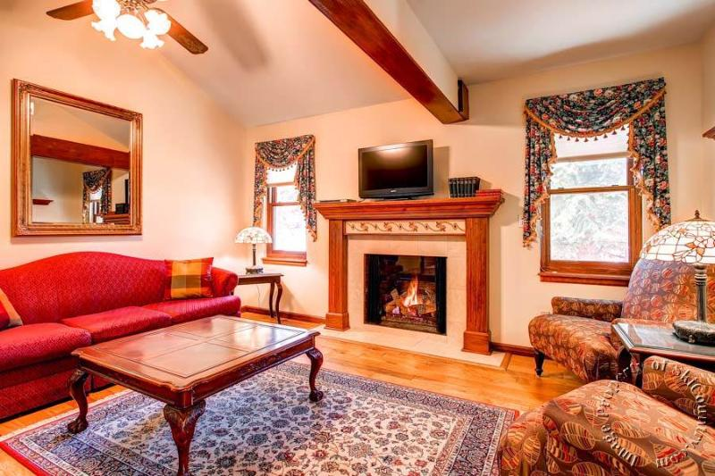 Victorian Gables E by Ski Country Resorts - Image 1 - Breckenridge - rentals