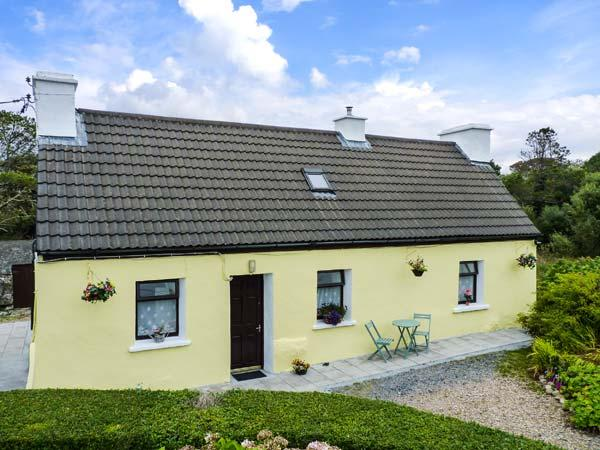 RIVER COTTAGE, pet friendly, character holiday cottage, with a garden in Rosmuc, County Galway, Ref 4628 - Image 1 - Rosmuc - rentals