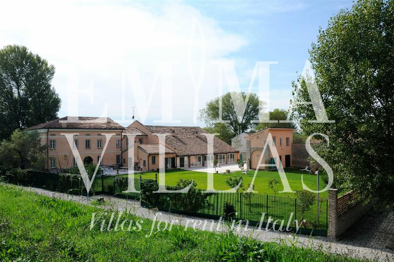 La Cascina sul Po 12+2 - Image 1 - Mantova - rentals