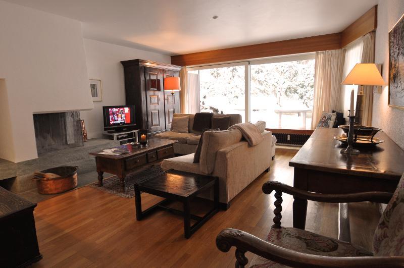 ZERMATT LUXE 01: 4 Bedrooms 2 Bathrooms - Image 1 - Zermatt - rentals