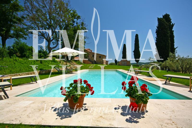 Rustic Tuscan Farmhouse at Podere Pisinano - Image 1 - Montepulciano - rentals