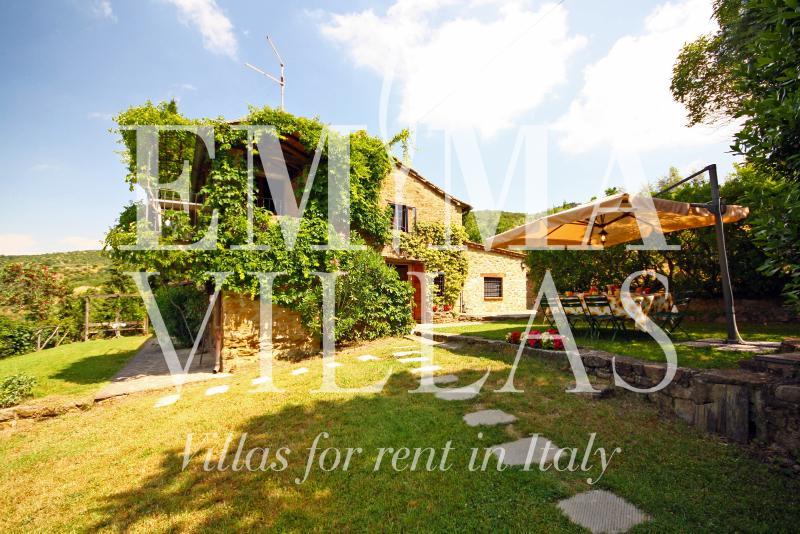 Typical Tuscan Stone Farmhouse Near Cortona - Image 1 - Cortona - rentals