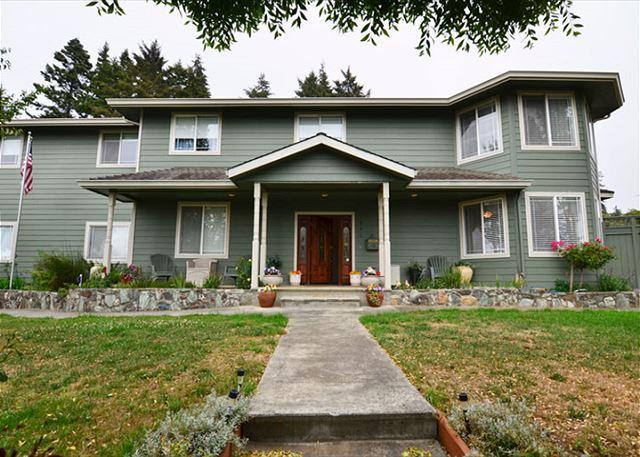 New & Spacious 6 Bdrm Bella Vista on the Hill awaits you! - Image 1 - McKinleyville - rentals