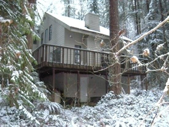 Snowline Cabin #92 - A lovely 2-story home thats pet-friendly! Sleeps 8! - Image 1 - Glacier - rentals