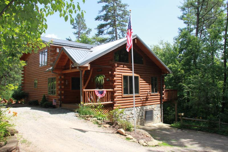 Timber Hollow: Grand Opening June 1st, 2014 - Timber Hollow, 2 master suites on a buffalo ranch! - Clyde - rentals