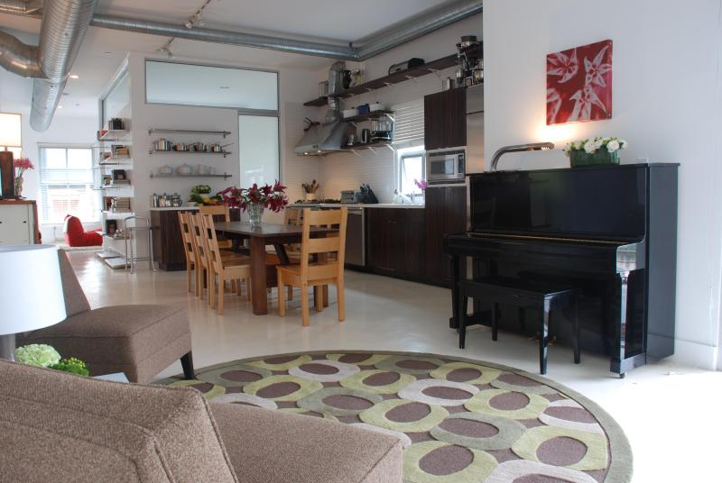 Upscale modern loft - 1 block to the beach - Image 1 - Santa Monica - rentals