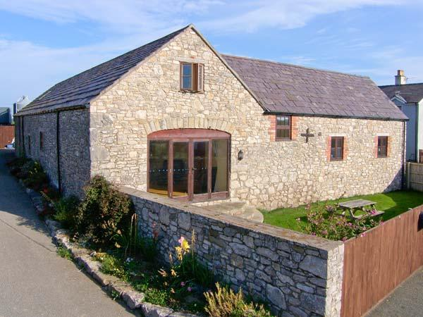 THE GRANARY, family friendly, country holiday cottage, with a garden in Pen-Y-Cefn, Ref 4507 - Image 1 - Flintshire - rentals