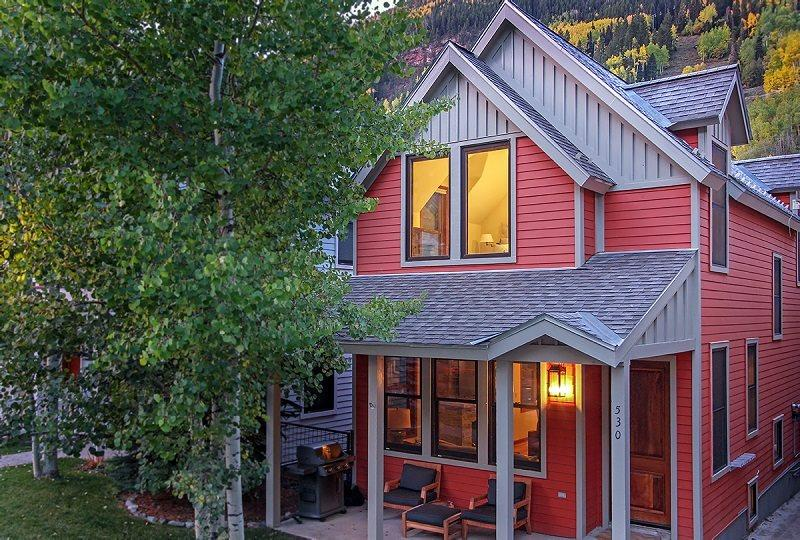 530 West Pacific - Newly remodeled town home with loads of charm - This luxury downtown Telluride townhome has high-end finishes and designer details. - Telluride - rentals