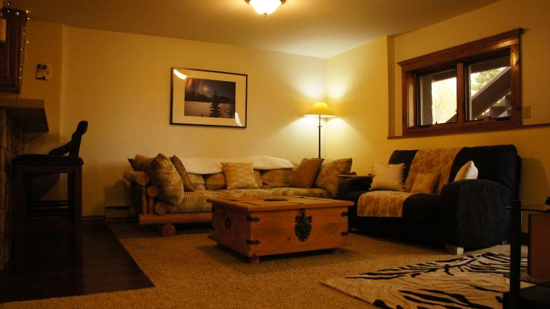 The lounge where you can relax on two sofas after a fun day skiing or sightseeing - A piece of heaven, high on Peak 7 in Breckenridge, - Breckenridge - rentals