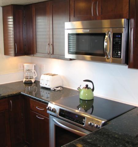 Kitchen - Range & Microwave - Idyllic House in San Diego (3840 Sequoia St.) - San Diego - rentals