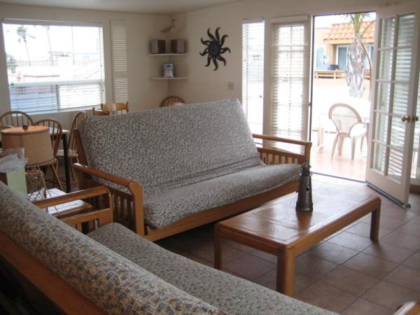 2nd view of living room - 3844 Bayside Lane - San Diego - rentals