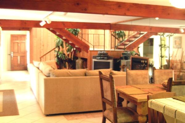 living room view from kitchen - 4111 Bayard Street #A - San Diego - rentals