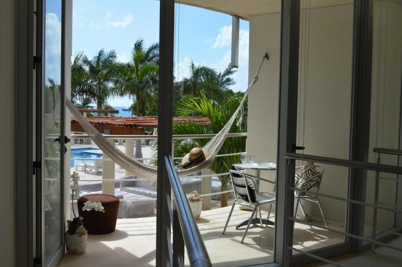 Romantic Condo, Jacuzzi And Pool! - Image 1 - Playa del Carmen - rentals