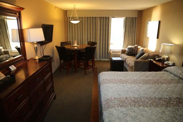 Direct Oceanfront Executive King Efficiency - Image 1 - Myrtle Beach - rentals