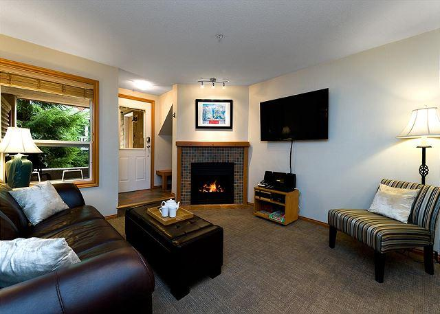88 Glaciers Reach this 2br home has a hot tub & pool in Whistler Village - Image 1 - Whistler - rentals