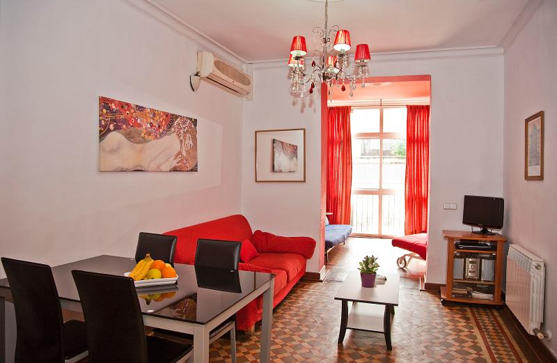 Classical in the center apartment - Image 1 - Barcelona - rentals