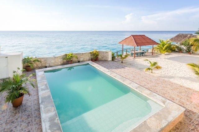 Las Iguanas - Seaside Oasis, Large Ocean Facing Pool, Ocean Views - Image 1 - Cozumel - rentals