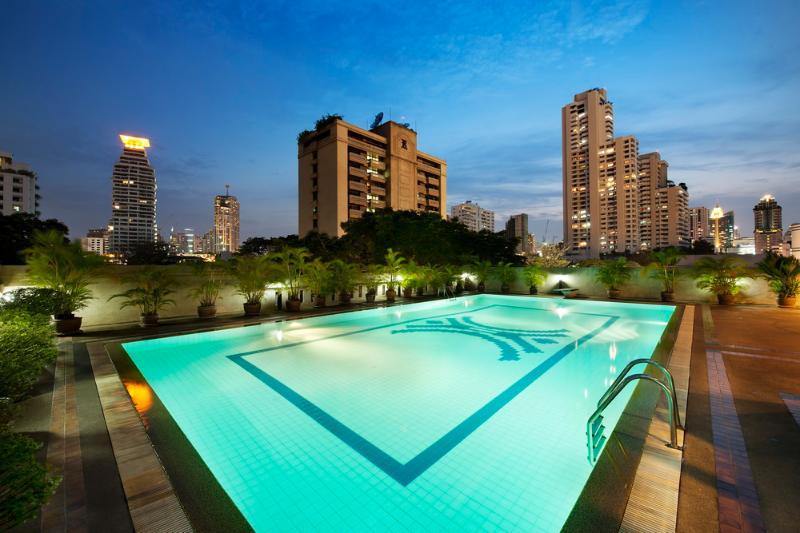 4 BR Apartment BTS Sukhumvit FREE BREAKFAST & WiFi - Image 1 - Bangkok - rentals