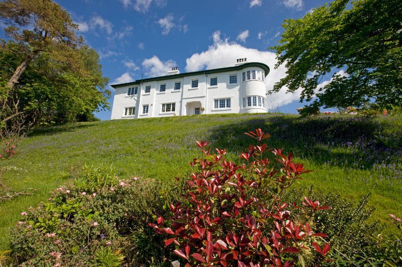 Front of House - Blaven - 6 Bedroom House sleeps 13 in Oban - Oban - rentals