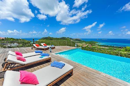 Chic villa Globe Trotter boasts spectacular ocean and sunset views & complimentary rental car - Image 1 - Lurin - rentals