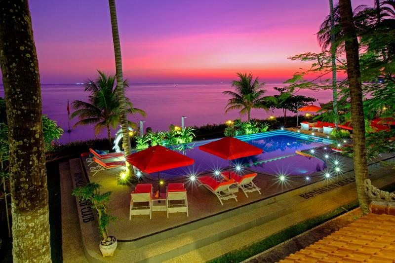 Sunrise - view from Your beachfront dream accommodation - Bondalem Beach Club - north Bali paradise - Tejakula - rentals
