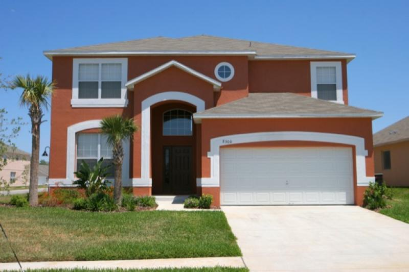 4 miles from Disney- Magnificent vacation rental- Large screened pool- Games room- 6 bedrooms - Image 1 - Four Corners - rentals