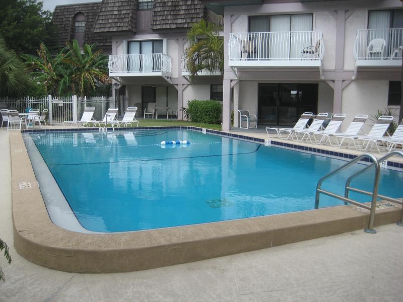 Pool - Beautiful Condo on Beach near Cocoa Beach Pier - Cocoa Beach - rentals