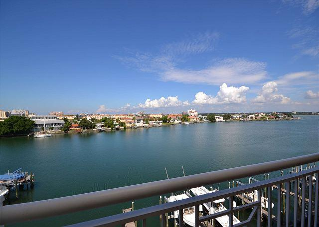 Bay Harbor 501 Luxuriously Upgraded Corner Penthouse with amazing Gulf Views! - Image 1 - Clearwater - rentals