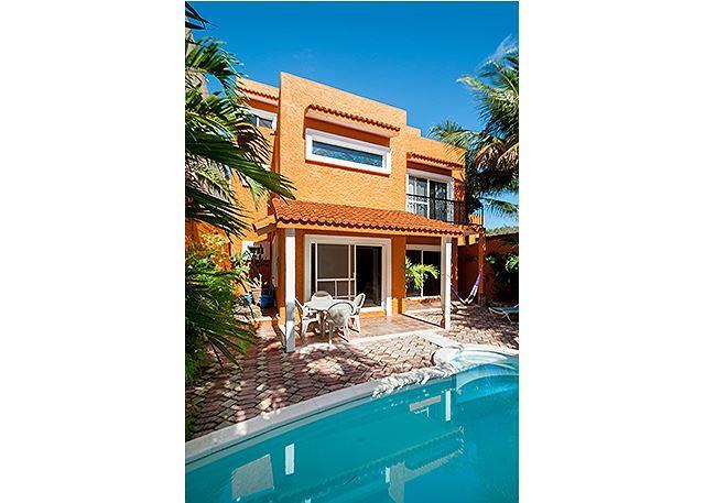 Spacious 3 story home, 4 bdrms, charming Mexican decor, private pool & garden - Image 1 - Puerto Morelos - rentals