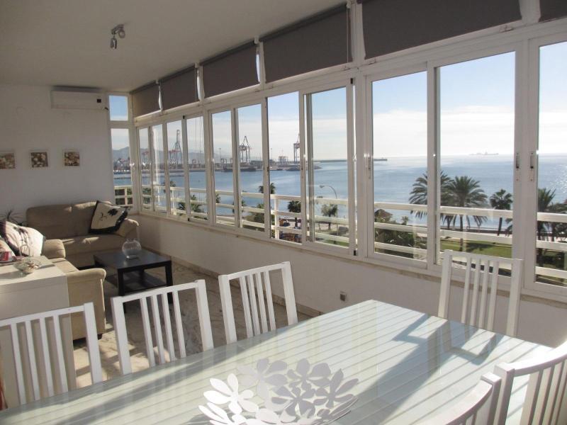 Beachfront Malaga-Pacífico,8 people,WIFI,parking - Image 1 - Malaga - rentals