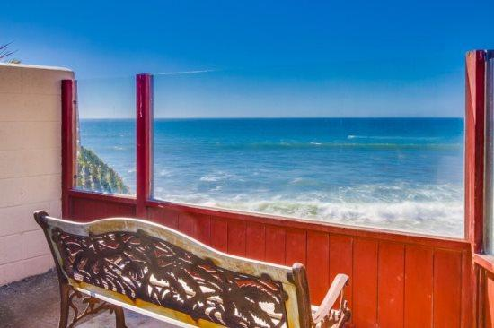 Another stunning ocean view from the bench at the end of the Shared Patio - Martinique's Ocean Front Condo - pet friendly with hot tub & fire pit - Pacific Beach - rentals