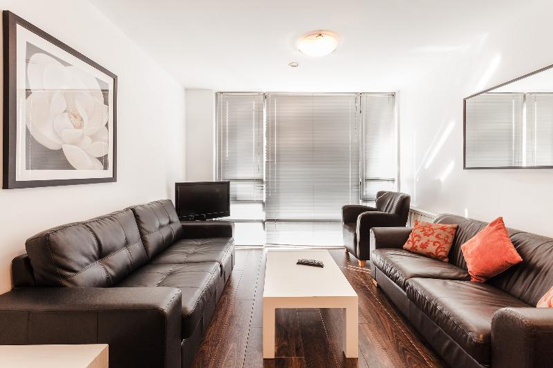 Ivy Exchange Parnell Street 3 x Bedroom Apartment - Image 1 - Dublin - rentals