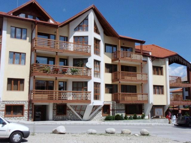 Exterior of Eagle's Nest ApartHotel. Excellent Location in Ski Resort - Apartment with Balcony  beside Ski  Lift in Bansko - Bansko - rentals