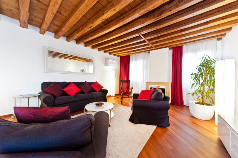 LIVINGROOM - CA GIULIA CLOSE TO BIENNALE/ S.MARCO WITH TERRACE - Venice - rentals