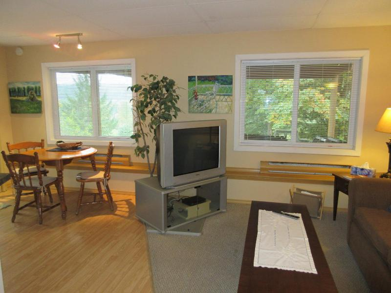 Cinnabar Hills Hideaway - Vancouver Island - Image 1 - Nanaimo - rentals