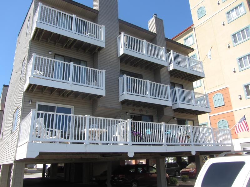 Ocean block townhouse in North Ocean City - Image 1 - Ocean City - rentals