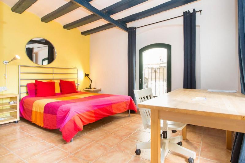 Cozy loft near Las Ramblas - Image 1 - Barcelona - rentals