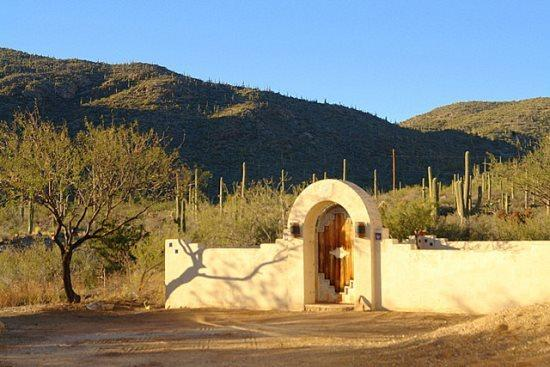 Rustic Retreat at the Base of the Moutnains - Image 1 - Tucson - rentals