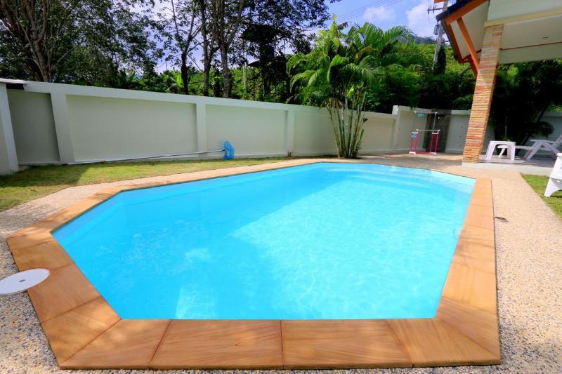 Private pool villa close to Patong Beach and Golf - Image 1 - Kathu - rentals