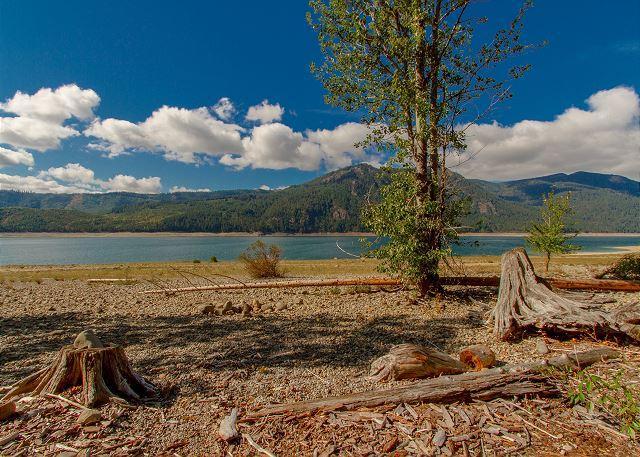 Big Bear - Looking for a genuine cabin retreat on Lake Cle Elum?  3BR + Loft | 2 BA - Ronald - rentals