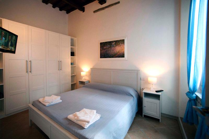 Quiet and Cozy Apartment in Florence, Tuscany - Image 1 - Florence - rentals