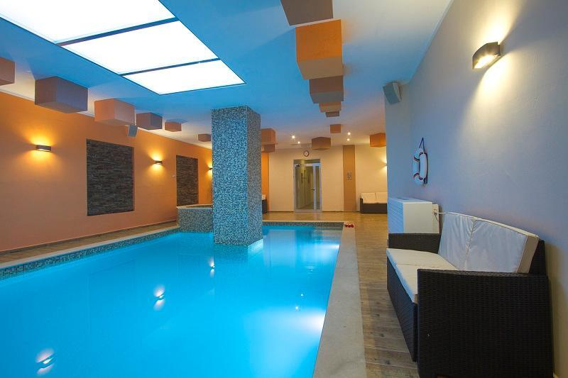shared indoor heated pool - Self catering apartment with shared indoor pool - Swieqi - rentals