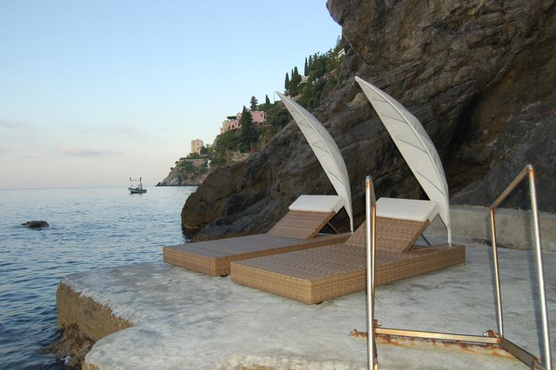 Large Villa Near Amalfi with a Jacuzzi and Spectacular Sea Views - Villa la Grotta - Image 1 - Amalfi - rentals