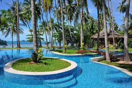 Idyllic Villa Kalyana offers beachside pool, snorkeling and onsite Thai chef - Image 1 - Koh Samui - rentals