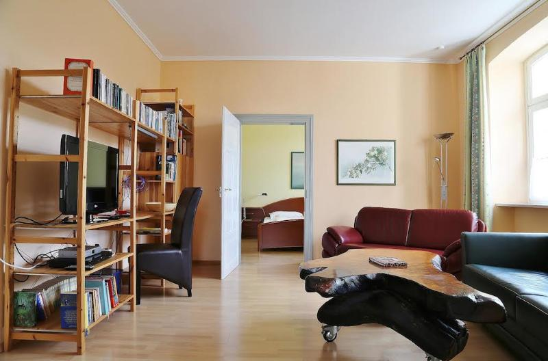Vacation Apartment in Bamberg - 807 sqft, spacious, near heart of town, quiet (# 1431) #1431 - Vacation Apartment in Bamberg - 807 sqft, spacious, near heart of town, quiet (# 1431) - Bamberg - rentals